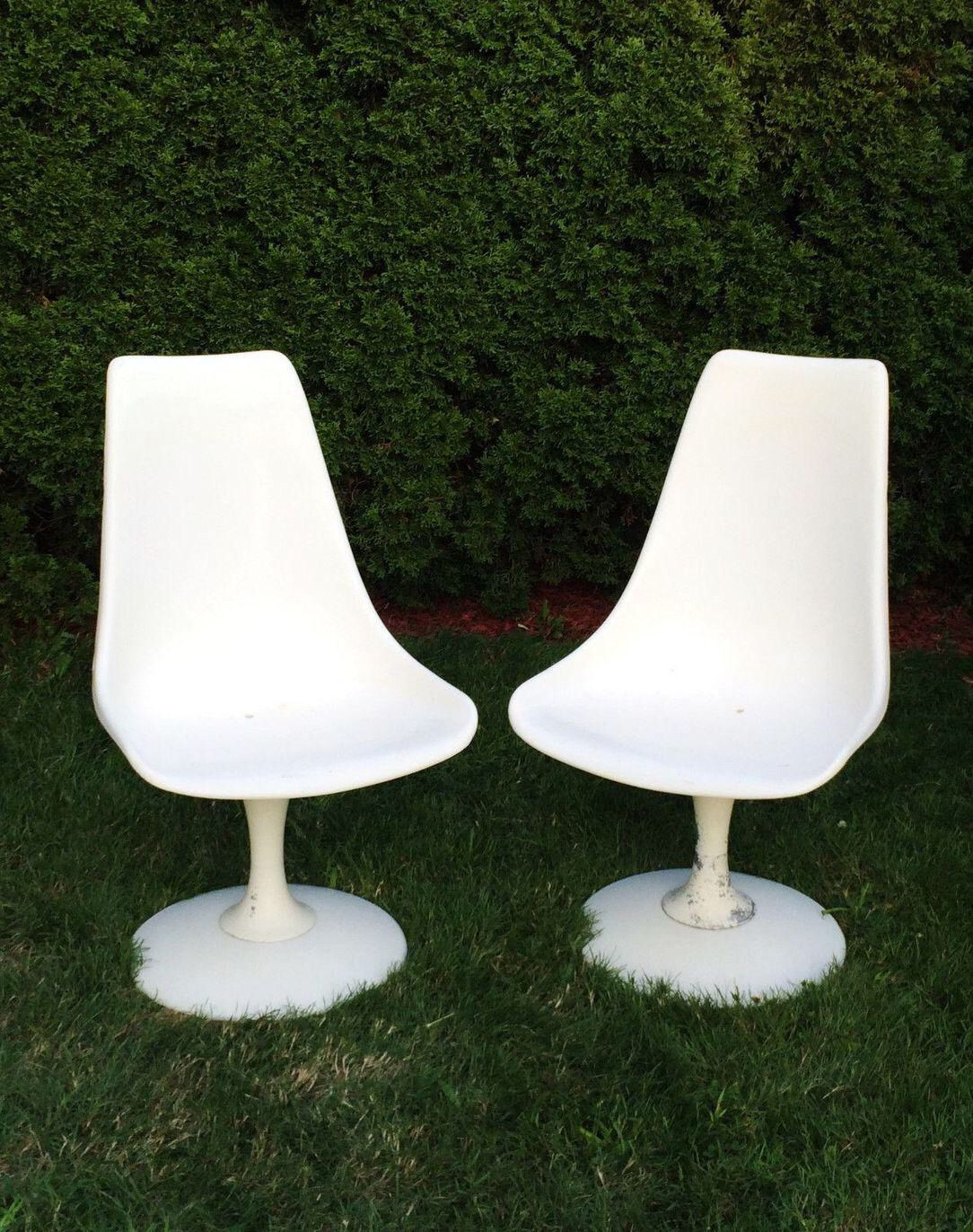 Chromcraft Mid Century White Tulip Chairs A Pair On Chairish Com
