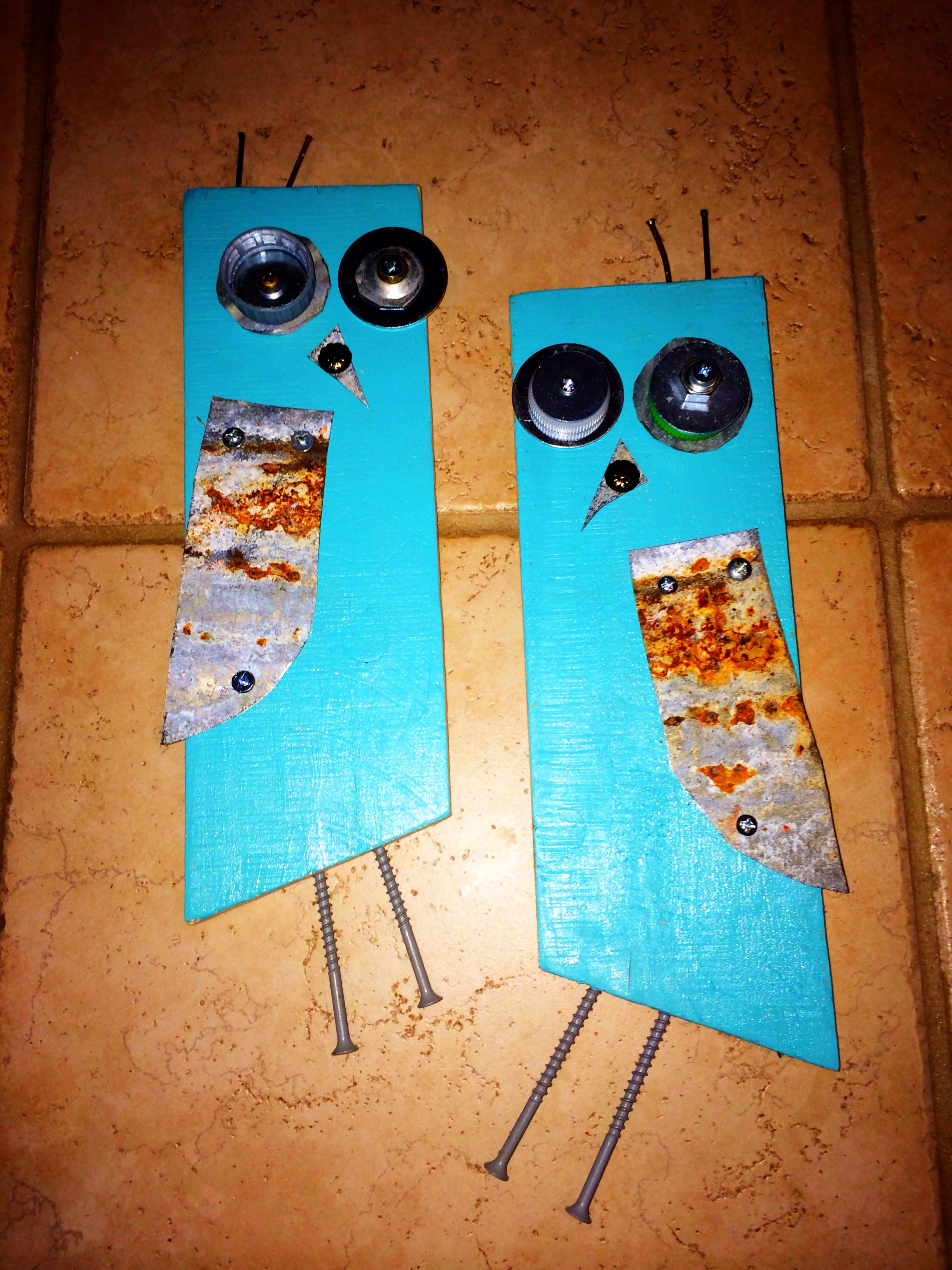 Crafty owls. Teal. Pallet wood, coke bottle caps and tin. Craft.