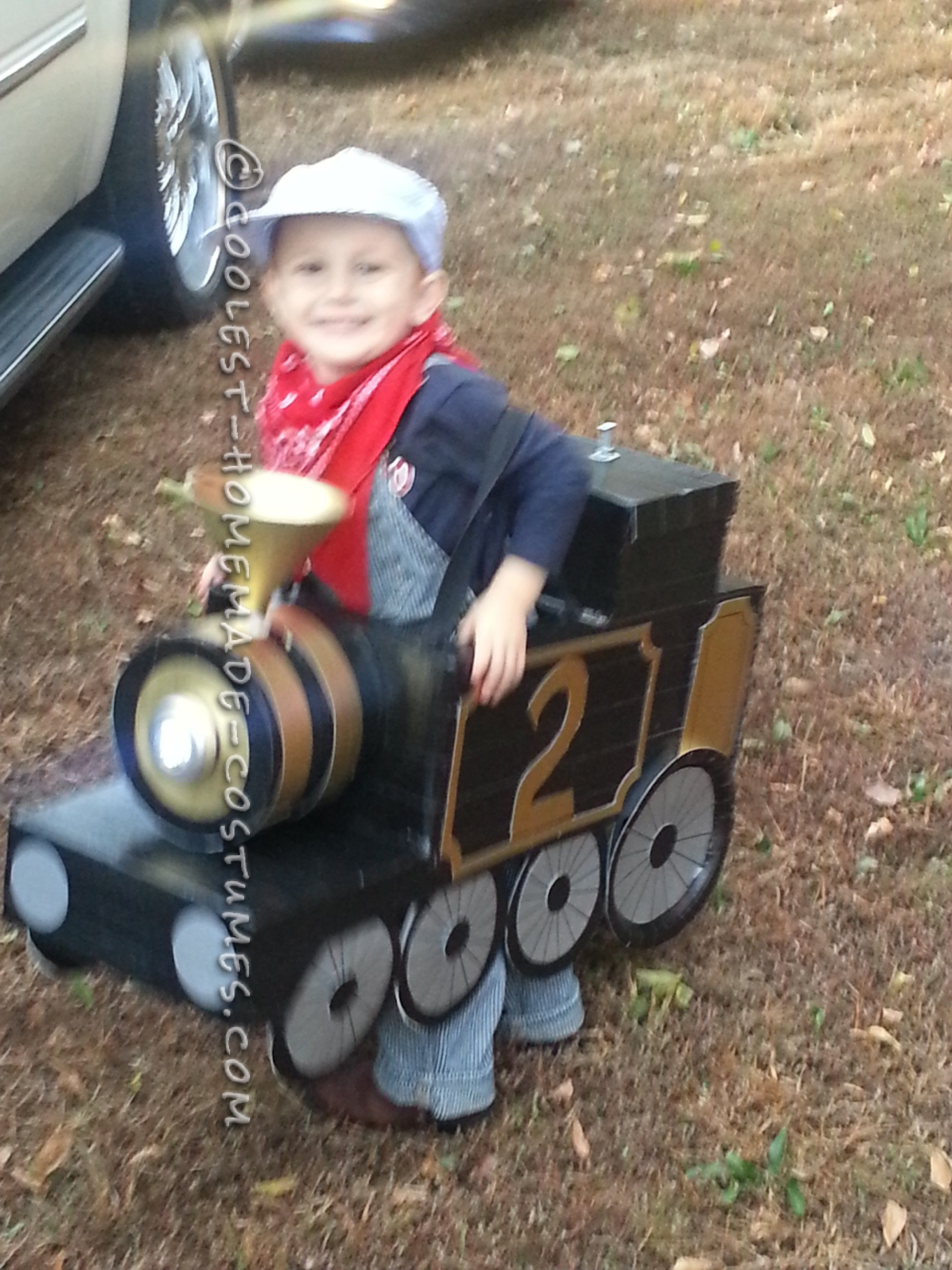Awesome Halloween Steam Locomotive Train with a Little Engineer ...