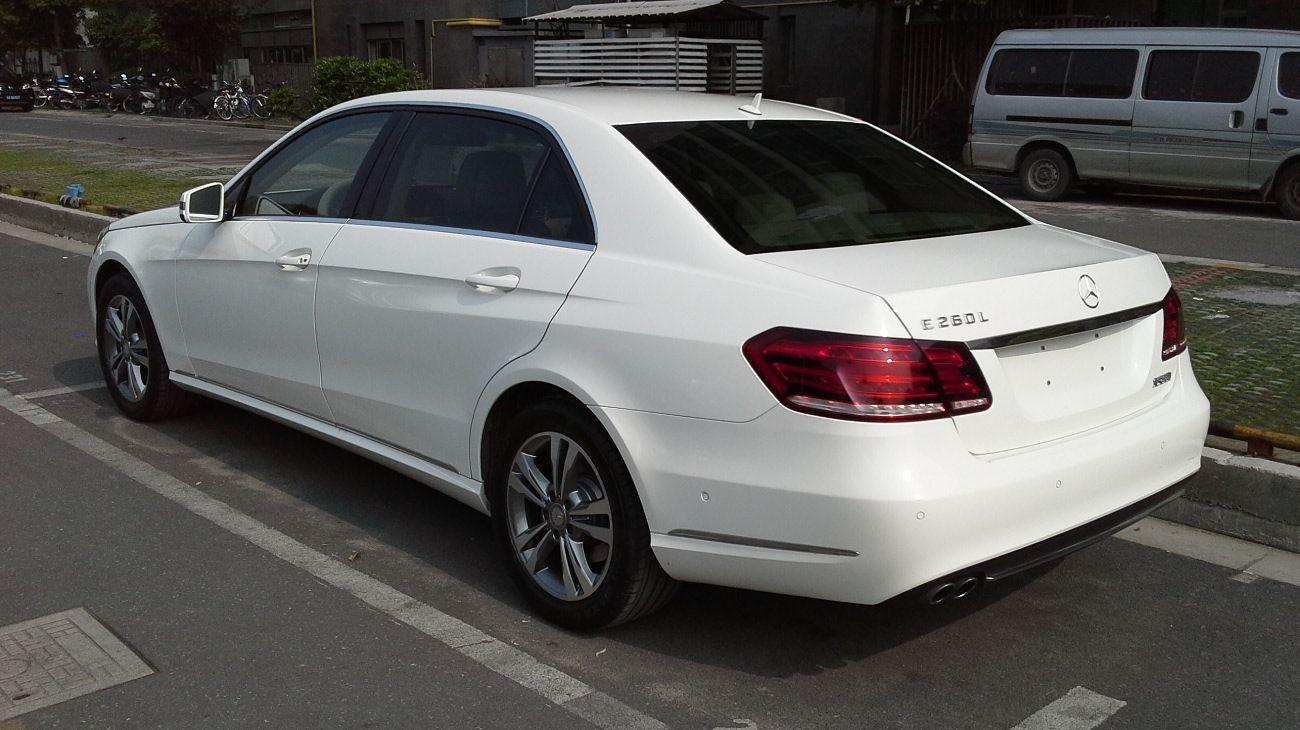 Hire Mercedes Benz E Class Car rental from Delhi to Agra ...