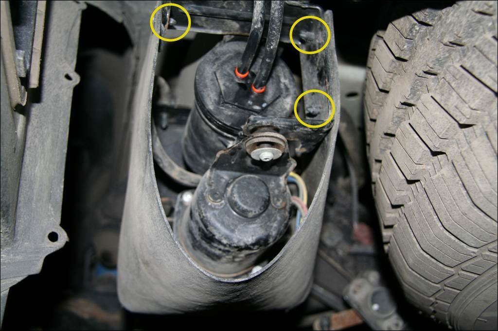 Leaking auto loadleveling suspensionhelp!  Page 8