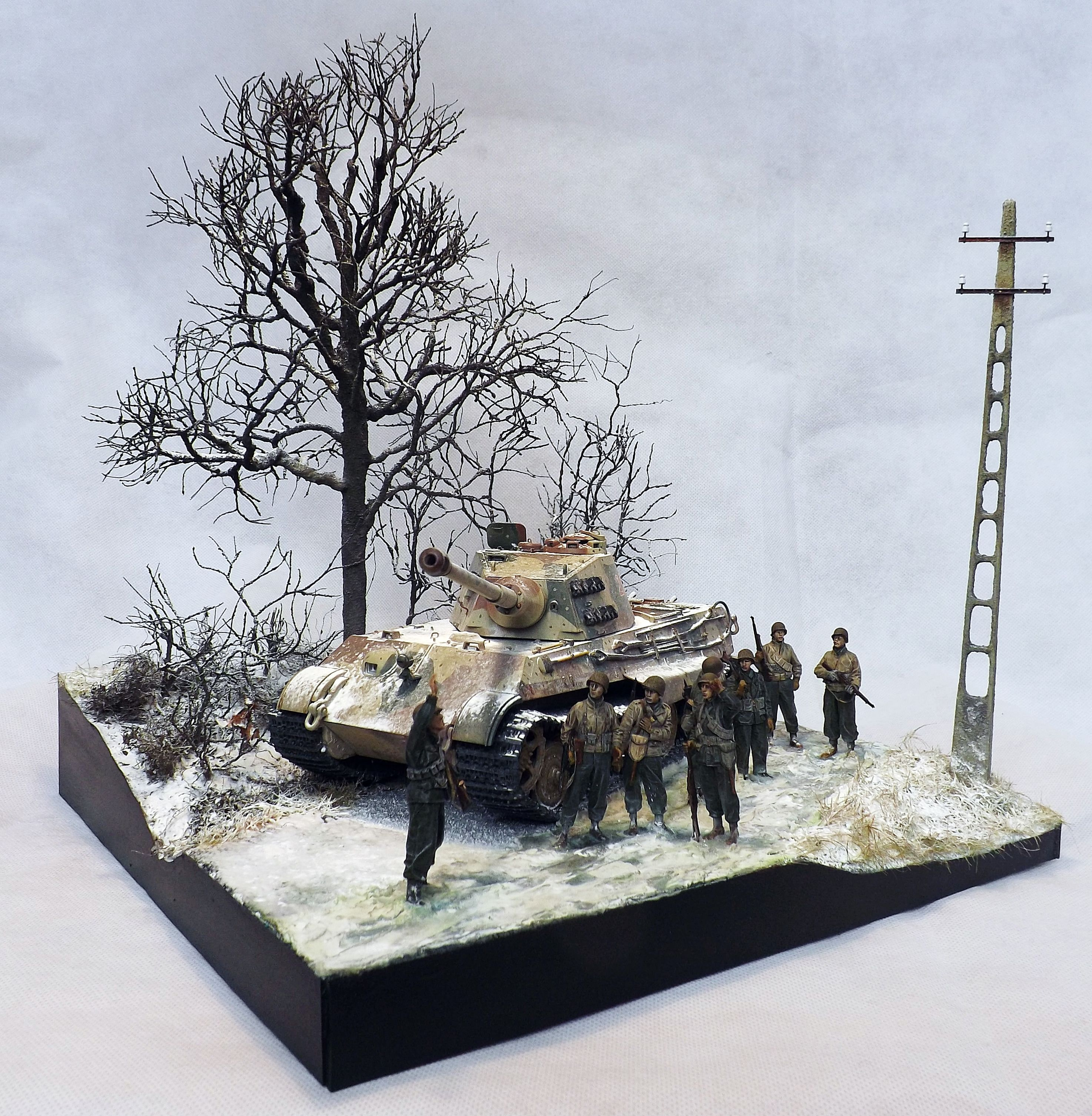 The King Is Dead Ardennes December 1944 1 35 Scale Diorama By Terence Young Winter Diorama Tank Diorama Military Diorama
