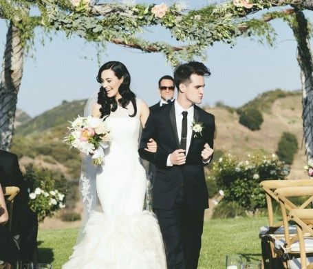 At The Disco Has A Charmingly Beautiful Malibu Wedding Photography By Onelove