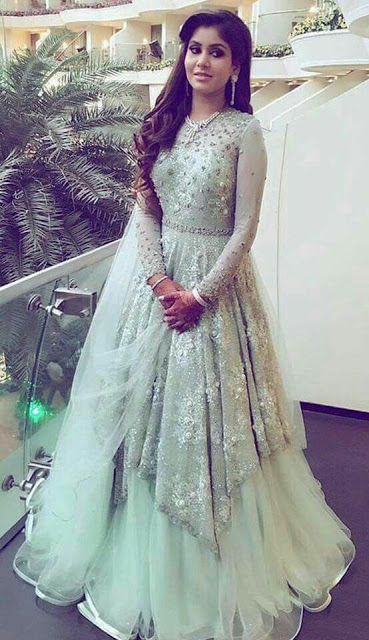 20 Indian Wedding Reception Outfit Ideas For The Bride Indian Evening Gown Indian Wedding Gowns Indian Wedding Reception Outfits