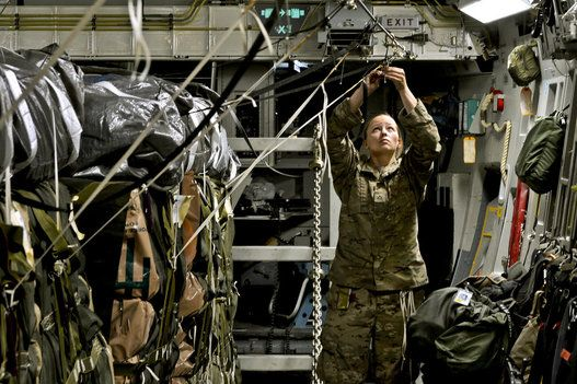 33 Fotos Poderosas De Mulheres Nas Forcas Armadas Forcas Armadas Mulheres Fotos Poderosas