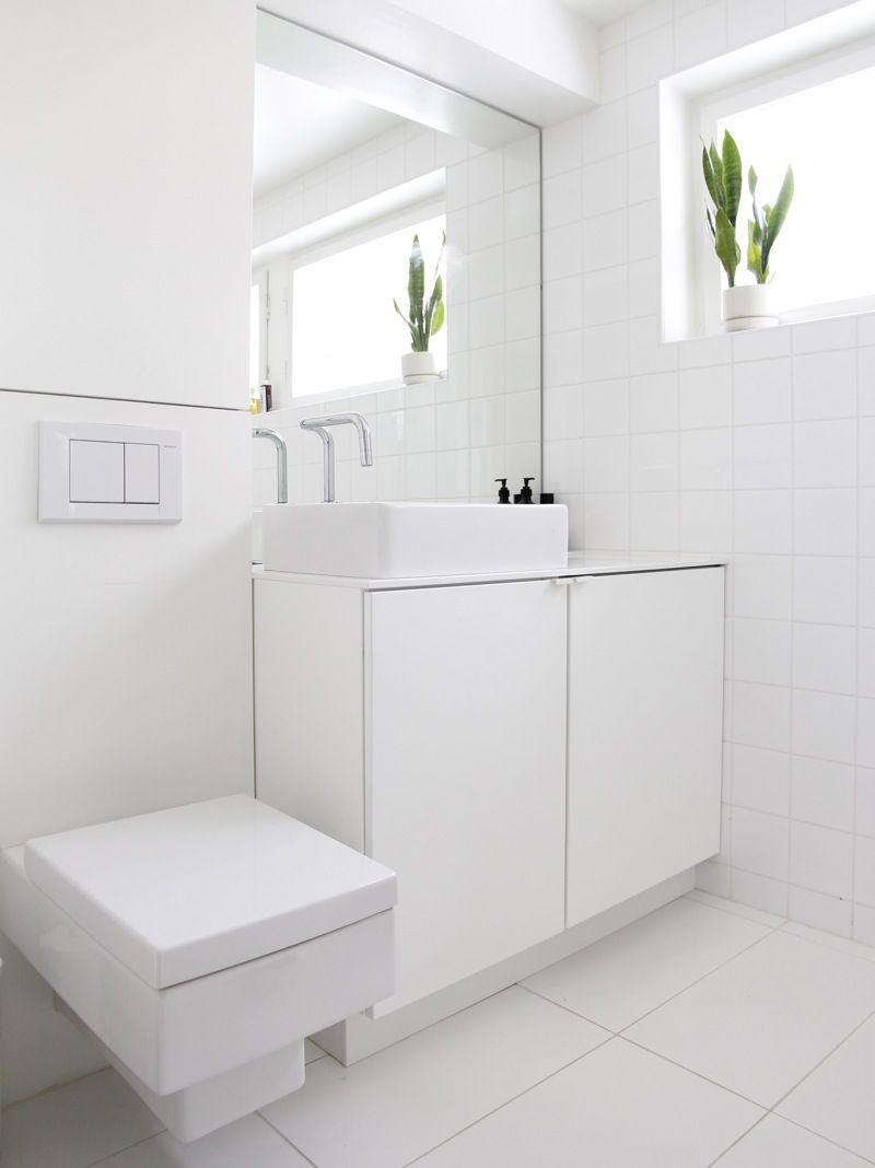 Minimal bathroom // time of the aquarius: less is more ...