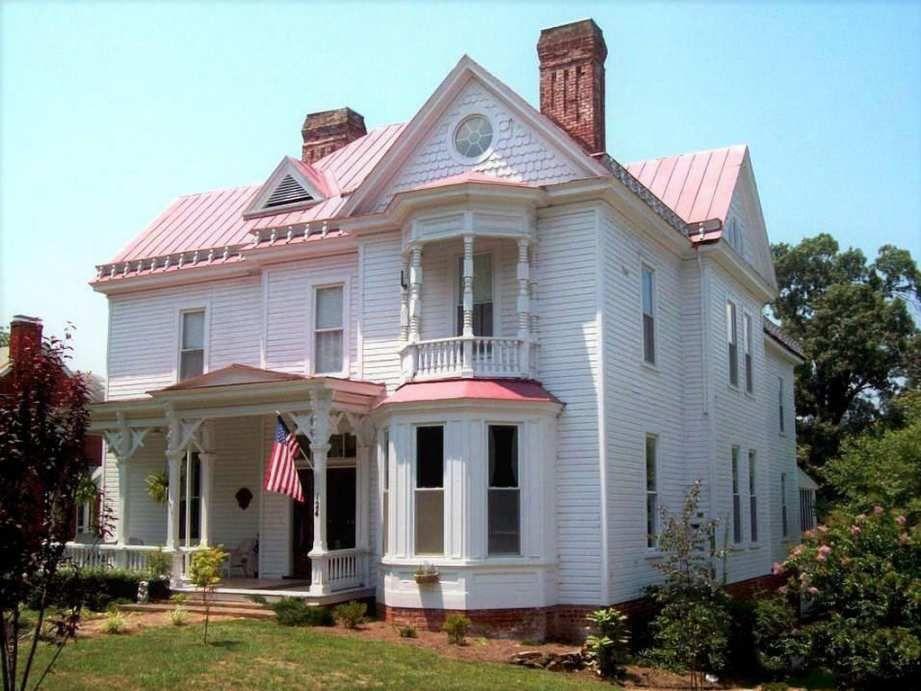 1885 Chatham Va 369 000 Old House Dreams Victorian Homes Exterior Victorian Style Homes Victorian Homes