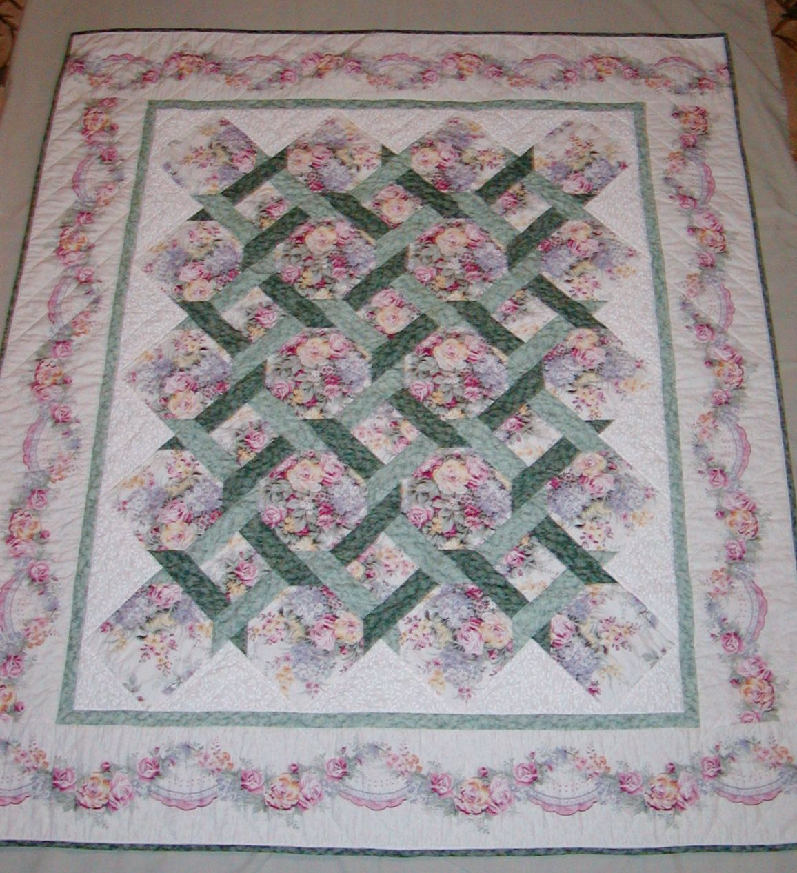 Garden trellis quilt Screwed up the border by not mitering the