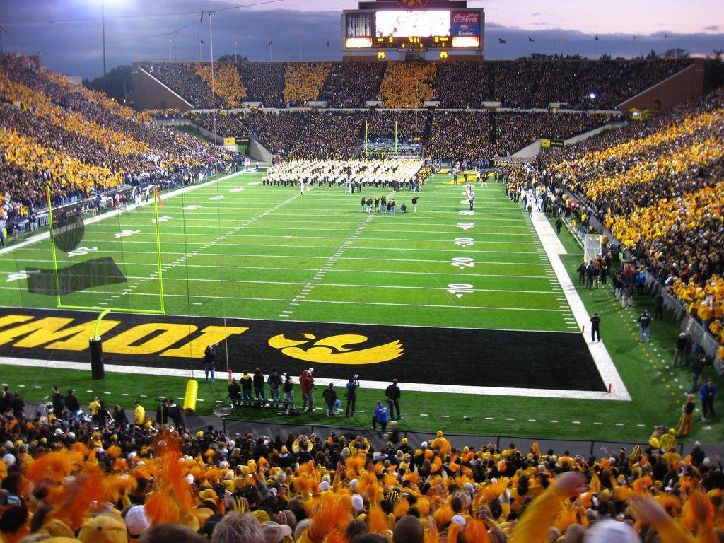 Kinnick Stadium. Iowa City. IA (have never been to a game there) | Iowa city. Iowa. Iowa hawkeyes
