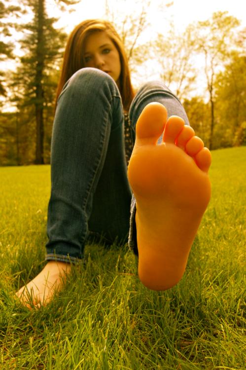 Teen foot fedish
