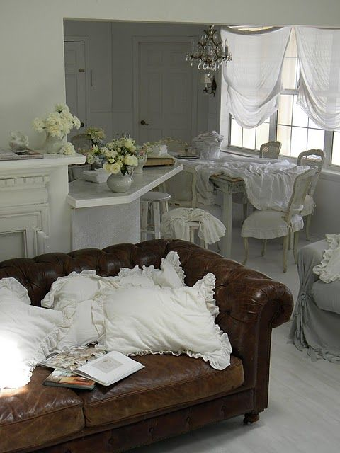 Incorporating Leather Couches Into Shabby Chic Decor Now I Just Need To Know How Incorporate The Hubby