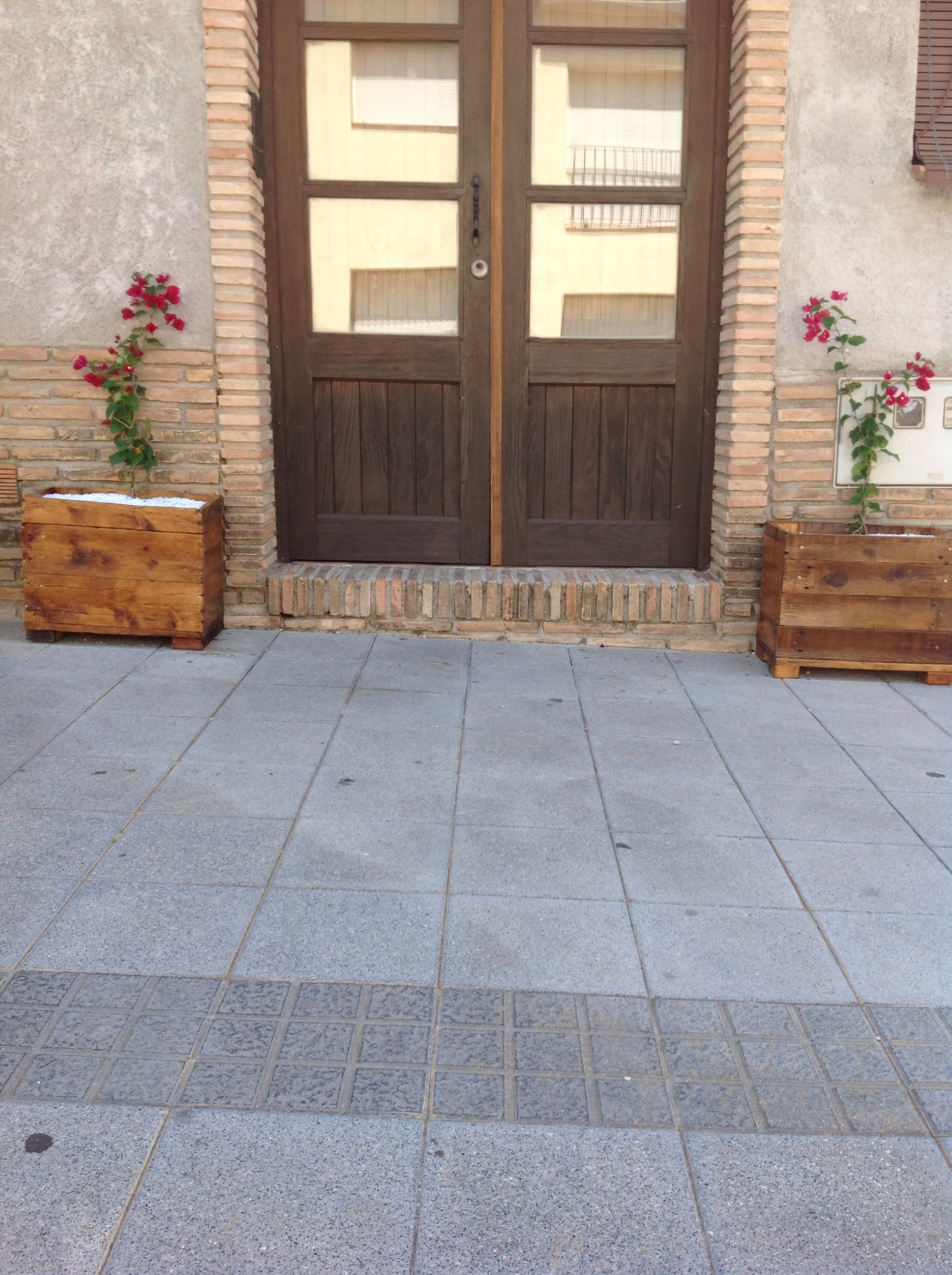 Doble macetero de palets reciclado pallets work for Macetero vertical pallet
