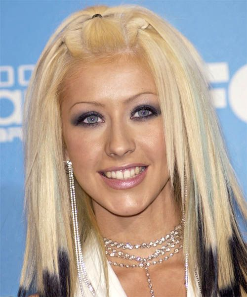 Christina Aguilera Hairstyles Lilostyle In 2020 Christina Aguilera Hair Christina Aguilera Growing Out Bangs