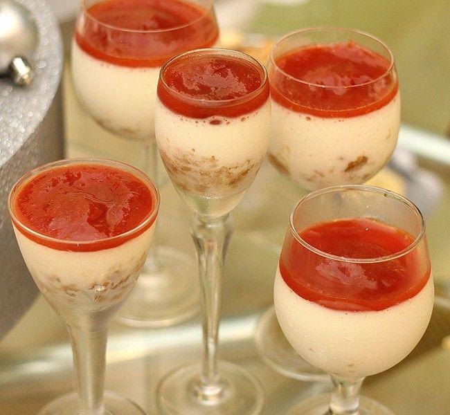 Ingredientes: Flan: 1 envelope de gelatina em pó sem sabor (12g); 1 lata de Leite MOÇA® Tradicional; 1 medida (lata) de leite; 2 potes de Iogurte Natural Integral. Calda: 6 goiabas vermelhas; 1/2 xícara (chá) de açúcar. Modo de preparo: Flan: Junte seis colheres (sopa) de água fria à gelatina e leve ao fogo em […]