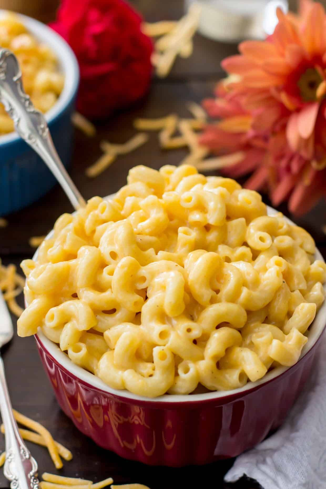 Homemade creamy mac and cheese no flour and no roux