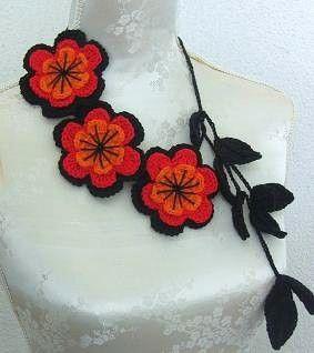 Gehäkelter Schmuck Halskette schwarz rot Orange von Iovelycrochet