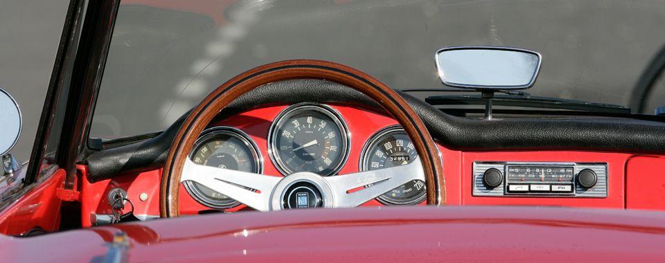 Alfa Romeo Giulia Spider veloce im Piemont | Nostalgic Oldtimerreisen