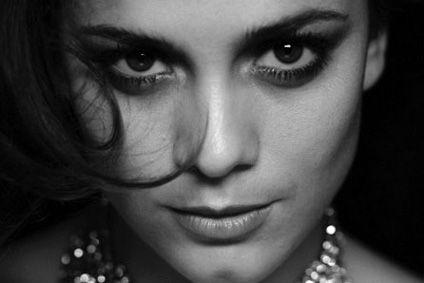 Alice Braga Com Imagens Rainha Do Sul Braga Beleza De Mulher