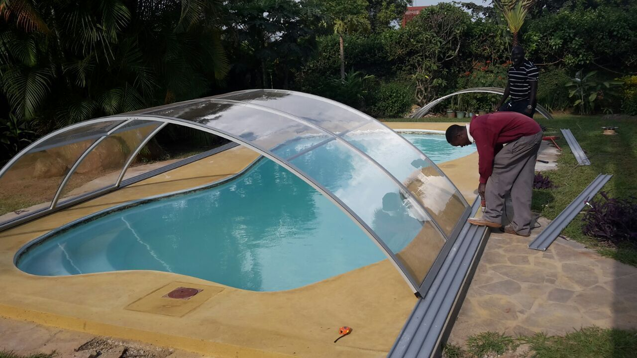 High Or Low Pool Screen Enclosures Which One Should You Go For Excelite Plas Pool Screen Enclosure Pool Residential Pool