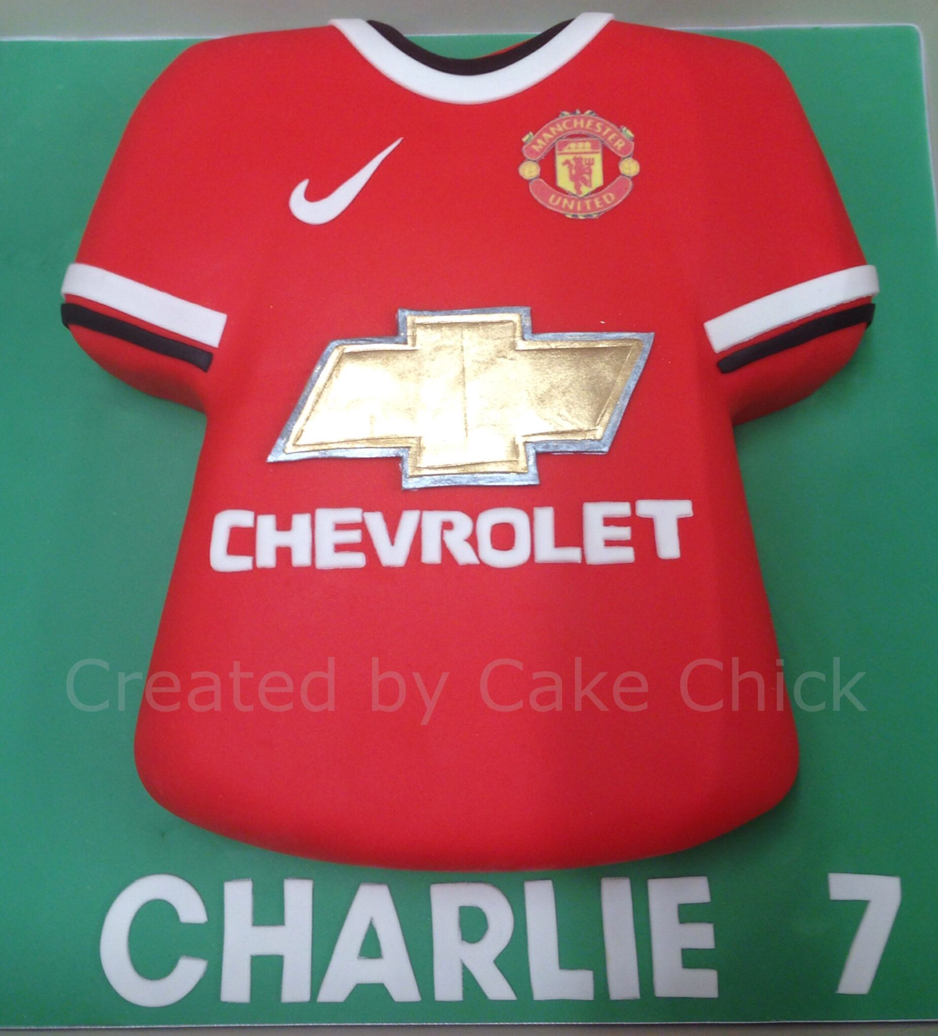 Manchester United Man Utd Cake With Images Shirt Cake Manchester United Birthday Cake Cake Shirts
