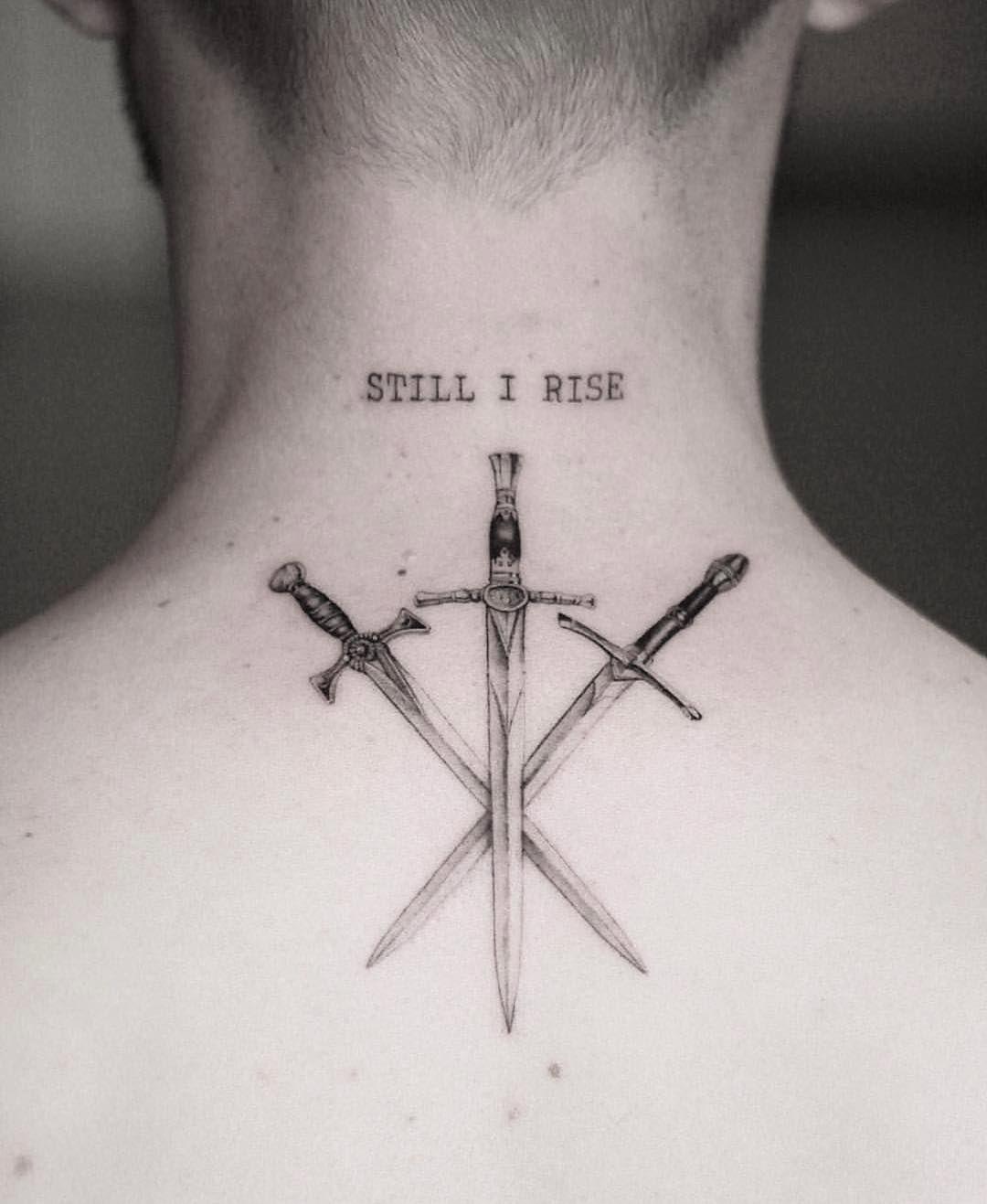 Hombre Brazo Tatuajes Pequenos