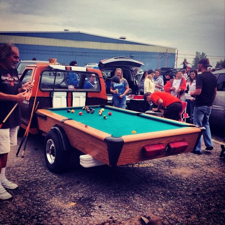 This Guy Is Definitely King Of The Lot Tailgating Fun Food - Pool table pick up