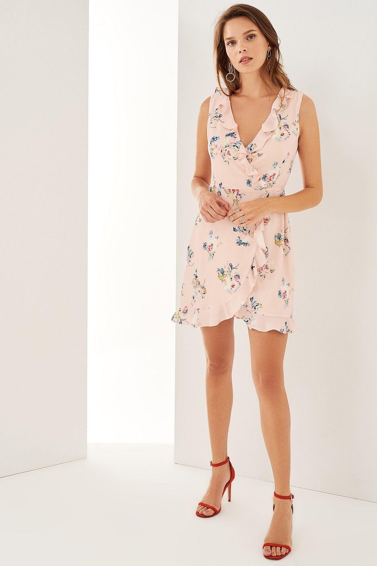 Pembe Cicek Desenli Kruvaze Elbise Trendyolmilla Trendyol Elbise Modelleri Elbise Elbiseler