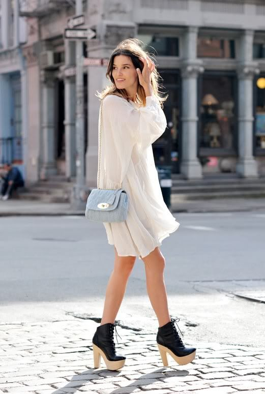 2e94943388b cocorosa: Top 10 Fashion Blogger Poses | Great Fashion + Digital ...