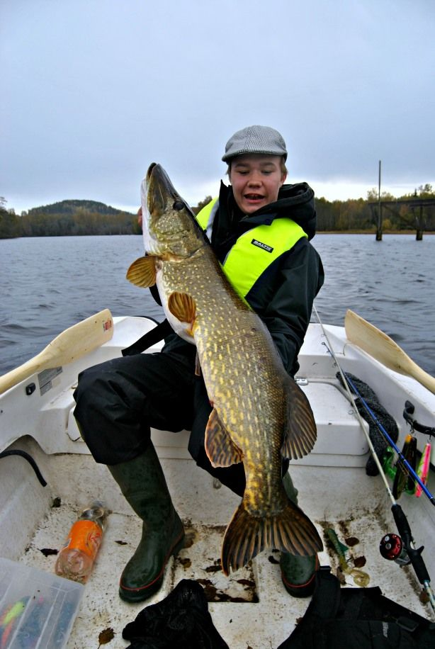 Leo with his new pike - pb at the cruel weight of 11.7 kilograms!