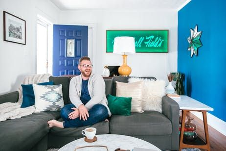 Tour a First-Time Home Buyer\u0027s Colorful Retro Reno
