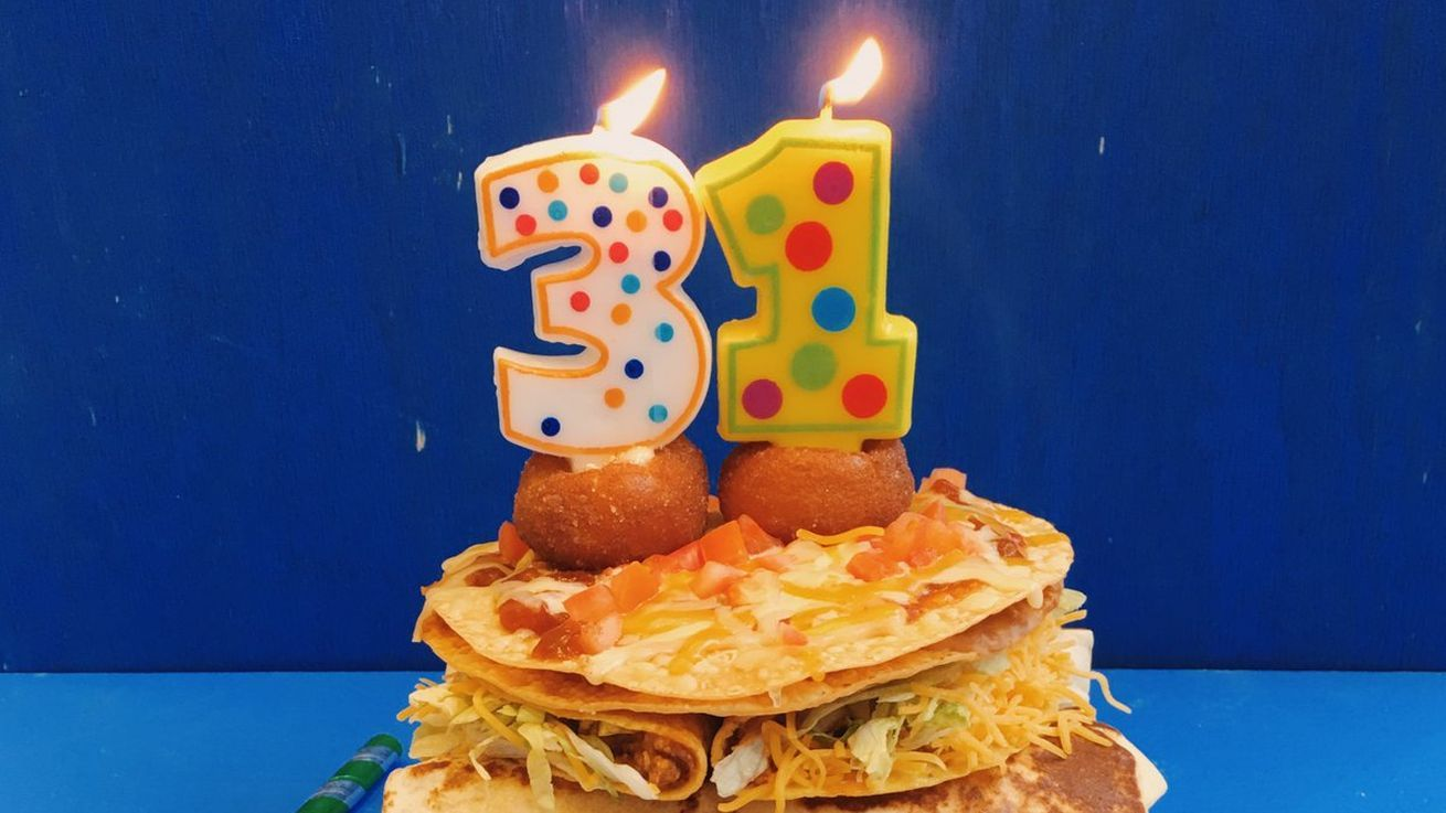 Colts players custom taco bell birthday cake is a