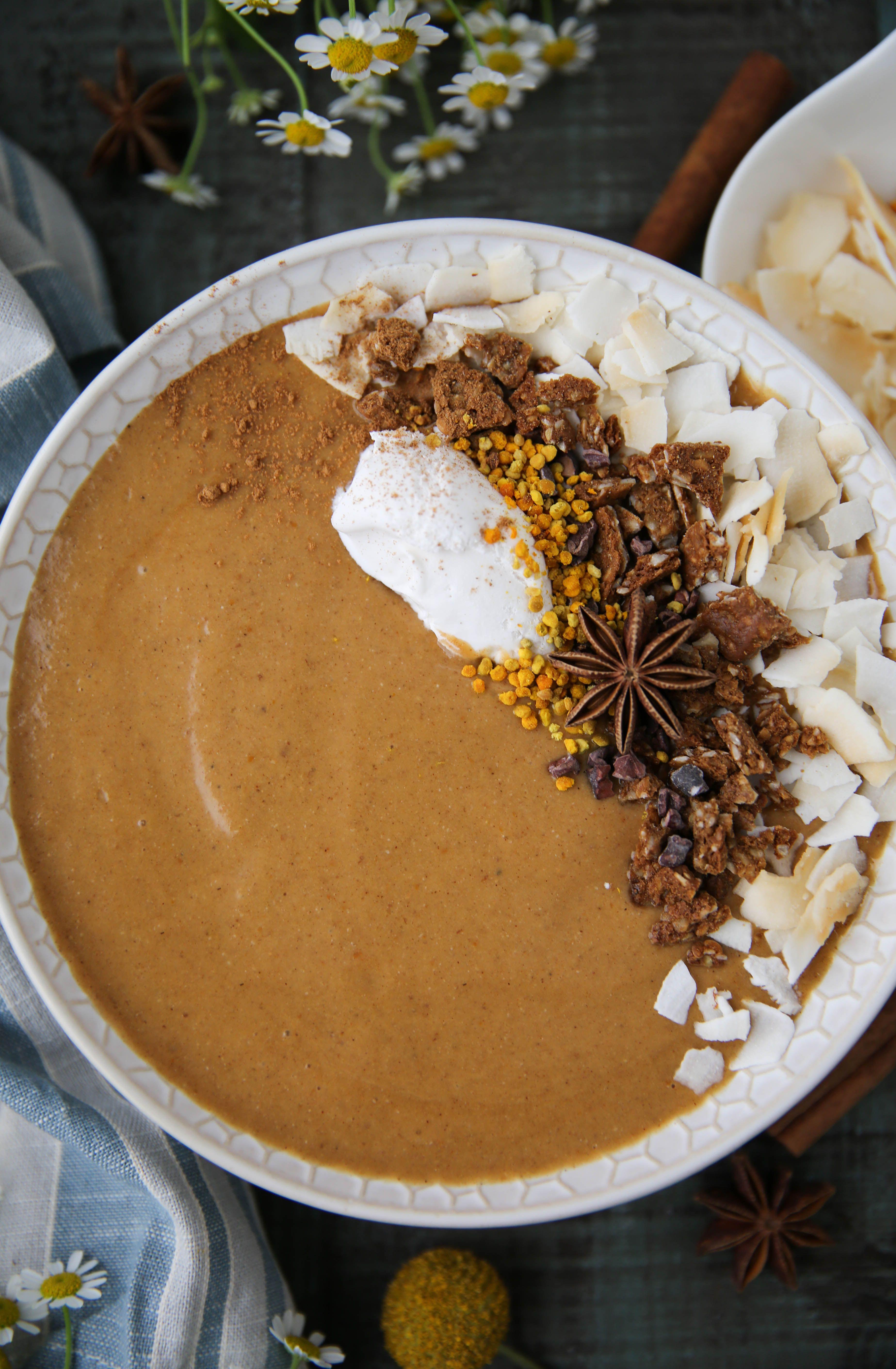 Pumpkin Pie Smoothie Bowl Recipe Pumpkin pie smoothie