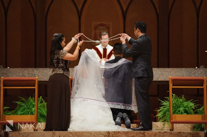 Filipino Wedding Tradition The Cord Over Bride And Groom Picture At Chicago Holy Name