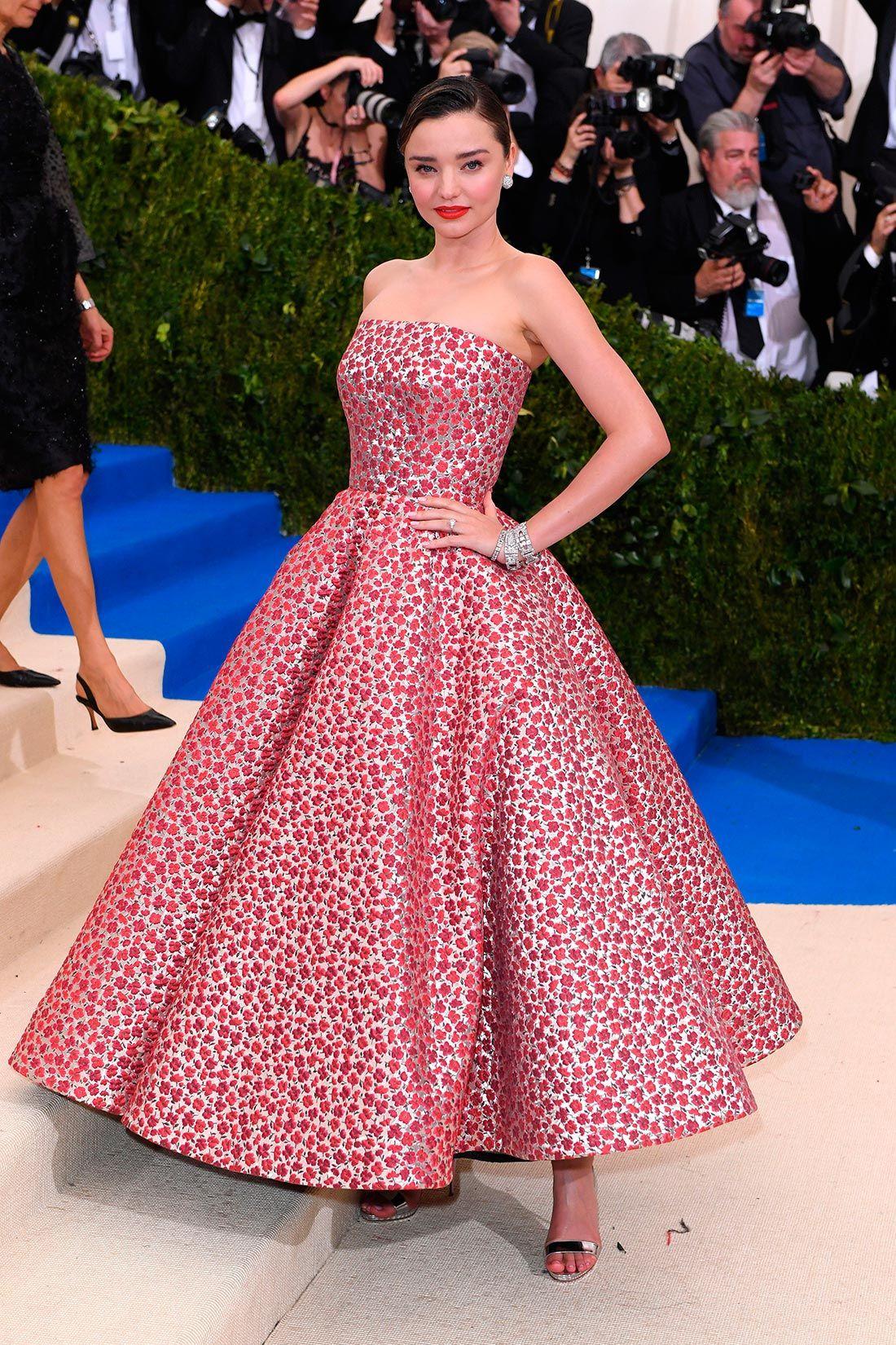 Asombroso Vestido De Novia De Carolyn Bessette Kennedy Galería ...
