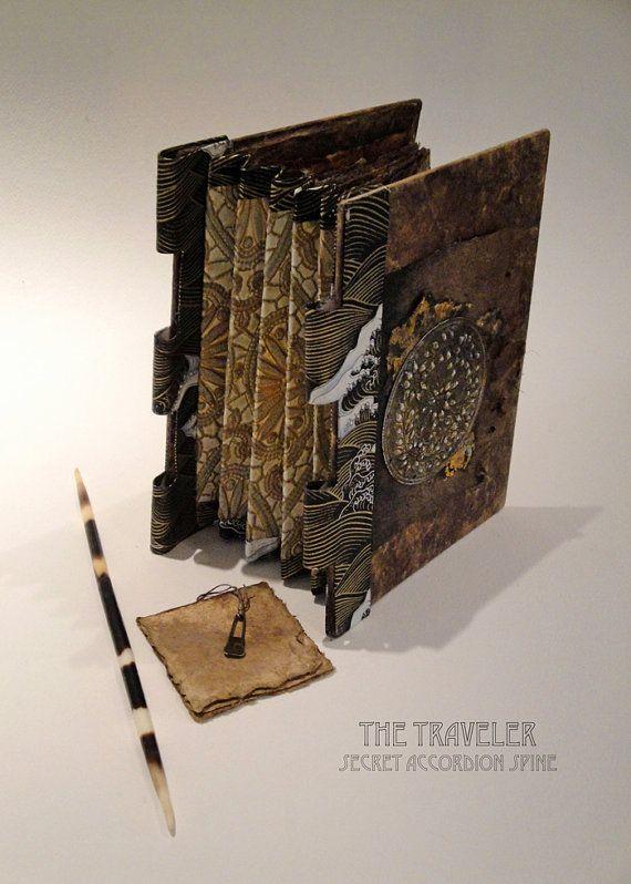 The traveler secret accordion spine