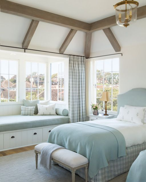 10 Beach House Decor Ideas: Blue Bedroom With French Country Decor. Giannetti Home