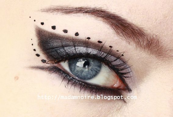 Gothic prom look no 1