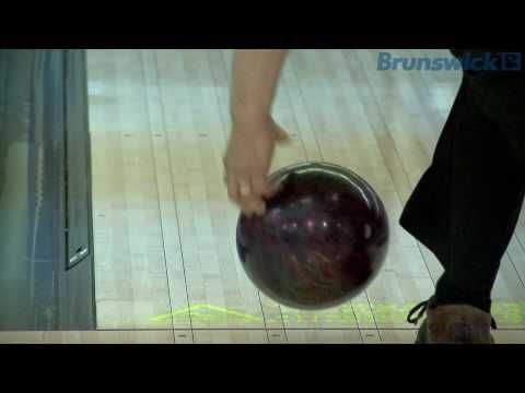 Bowlingdigital's 2010 BEC - PBA pros Bohn, Duke, O'Neill - bowling ball release in slow motion (HD)