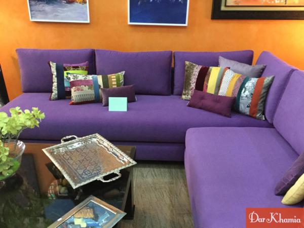 Canapé – canapé violet – salon moderne – design – coussins – Dar ...