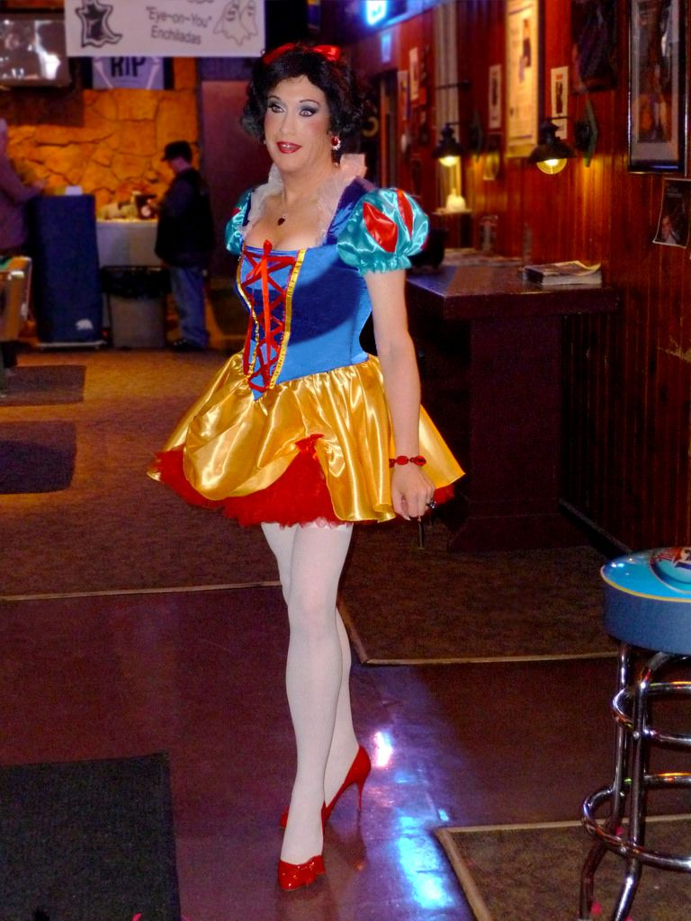 Mad Myrnas Halloween Party 2020 Snow White @ Mad Myrna's 2 | Girl costumes, Halloween outfits