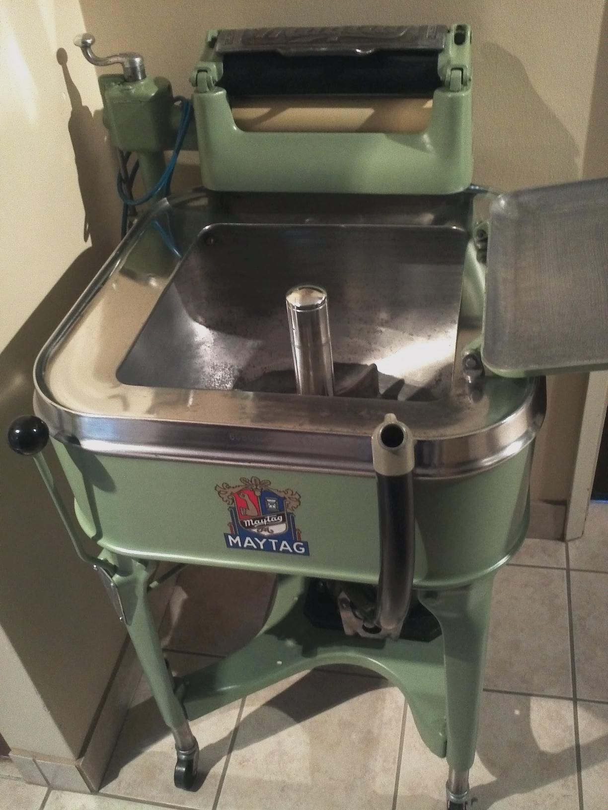 My Fully Restored 1935 Maytag Model 30 Wringer Washer
