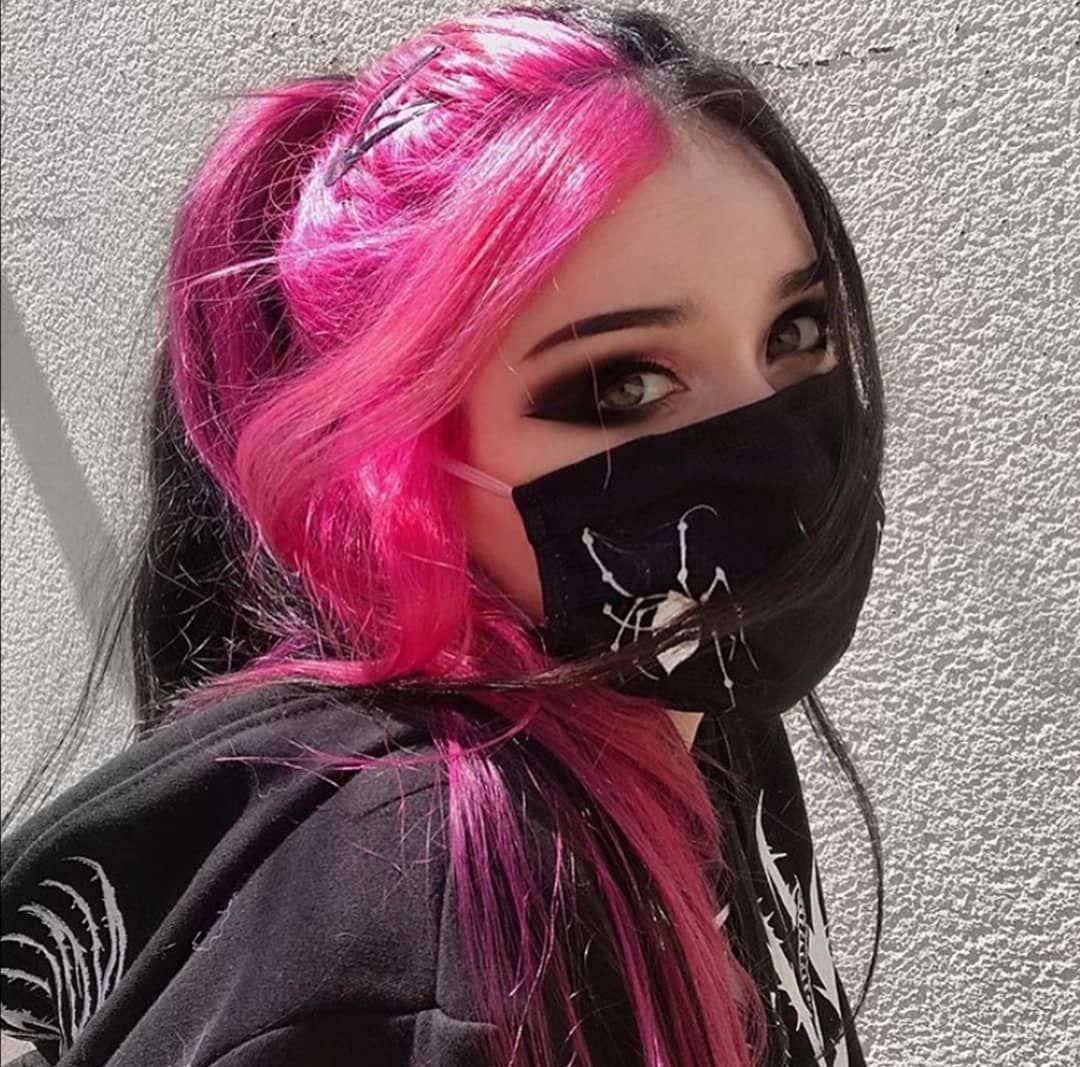 E Girl Soft Makeup Uploaded By Egirl Check On We Heart It In 2020 Aesthetic Hair Dyed Hair Split Dyed Hair