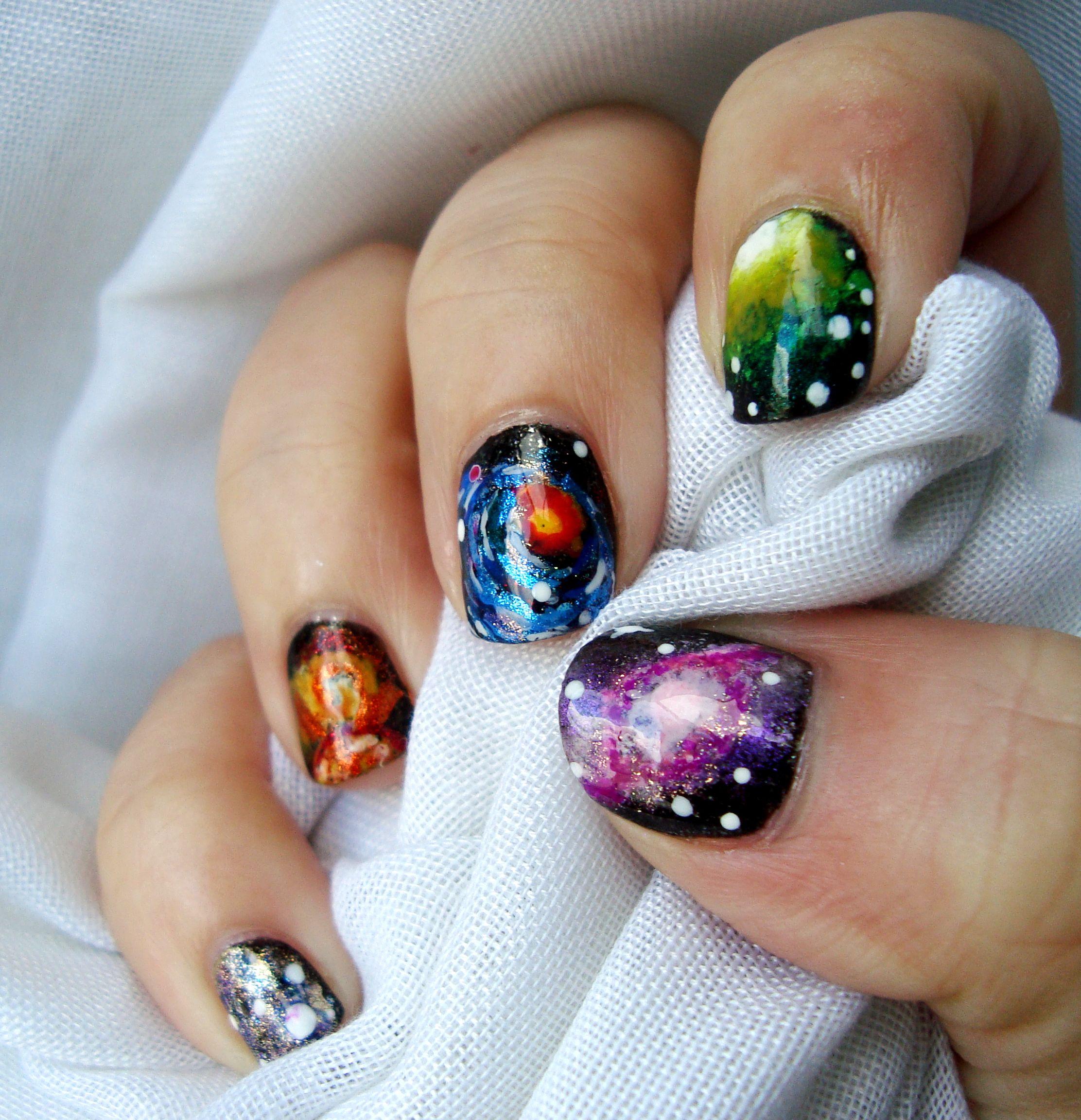 Diseño de uñas de galaxias. Galaxy nails. | Nail art by Vilcis ...