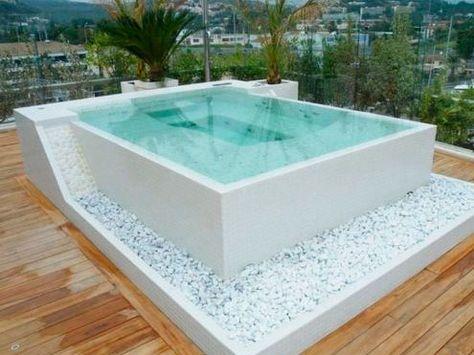 Jacuzzi cuadrado campo piscina pinterest jacuzzi for Jacuzzi piscina exterior