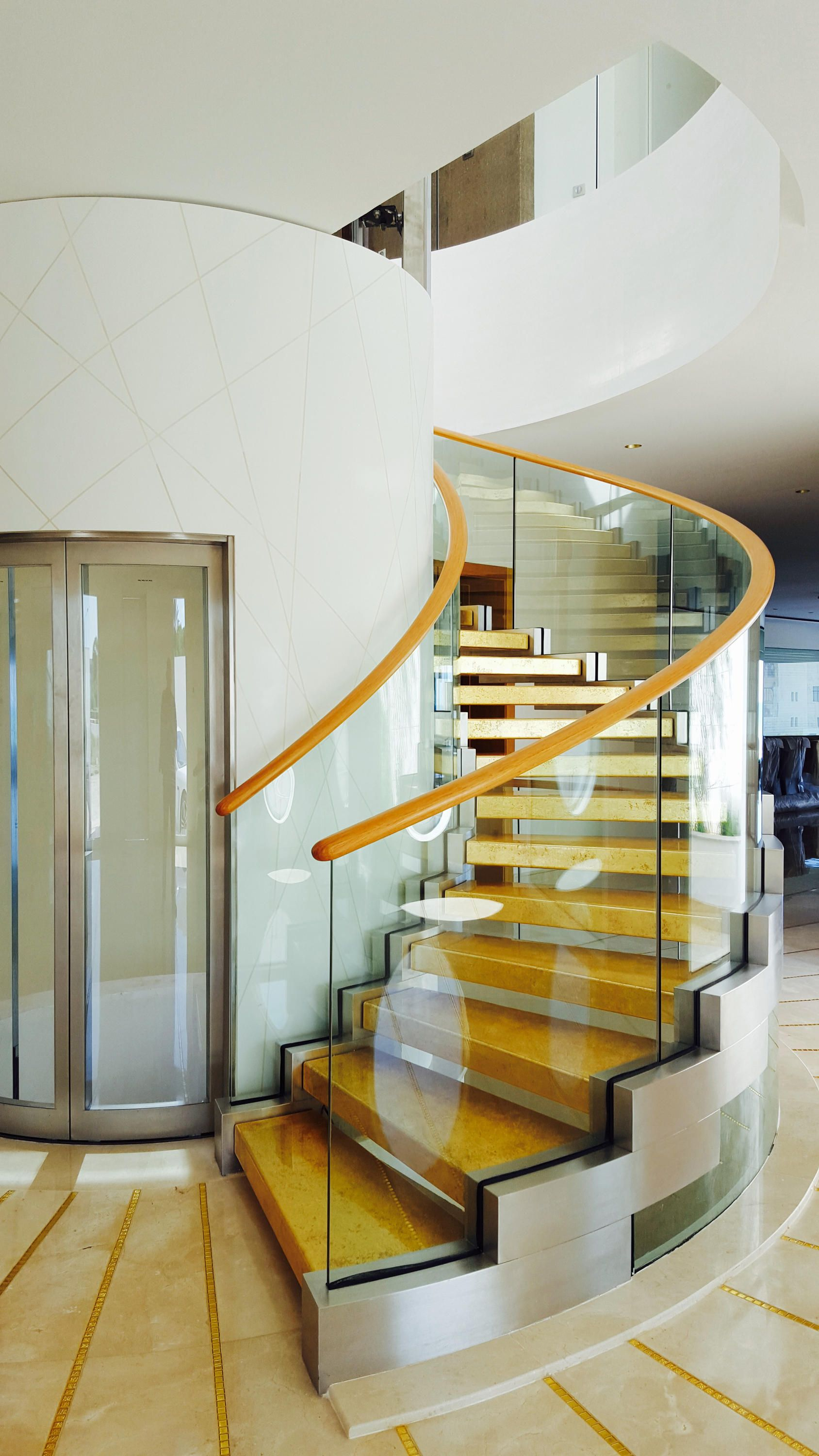 Best Curved Staircase Commercial Staircase In 2019 Curved 640 x 480