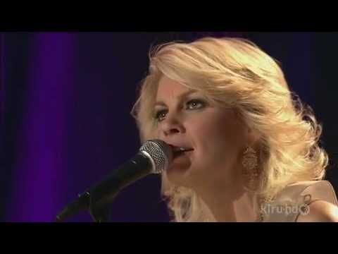 Faith Hill - A Baby Changes Everything - Live..From her ...
