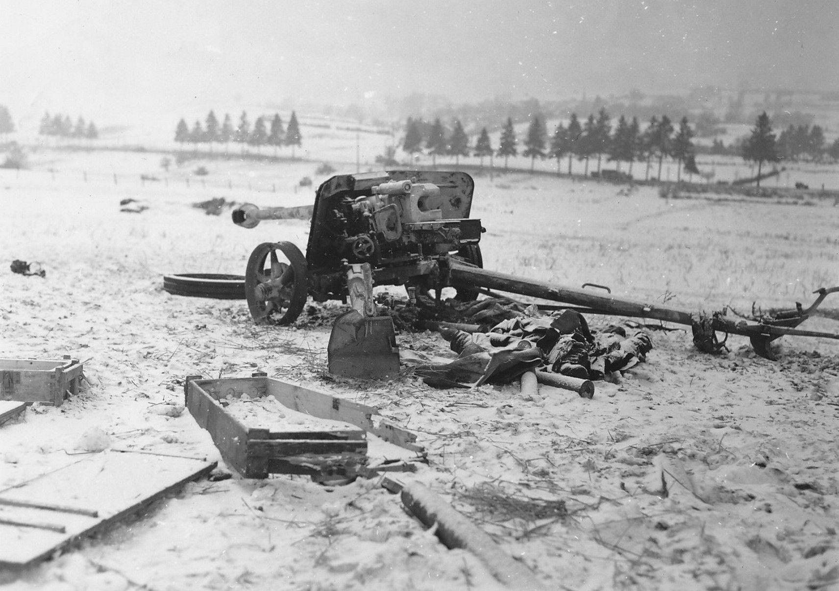 German 50 Mm Anti Tank Gun: Mabompre, Belgium, Jan 17, 1945: A German PaK 40 75mm Anti