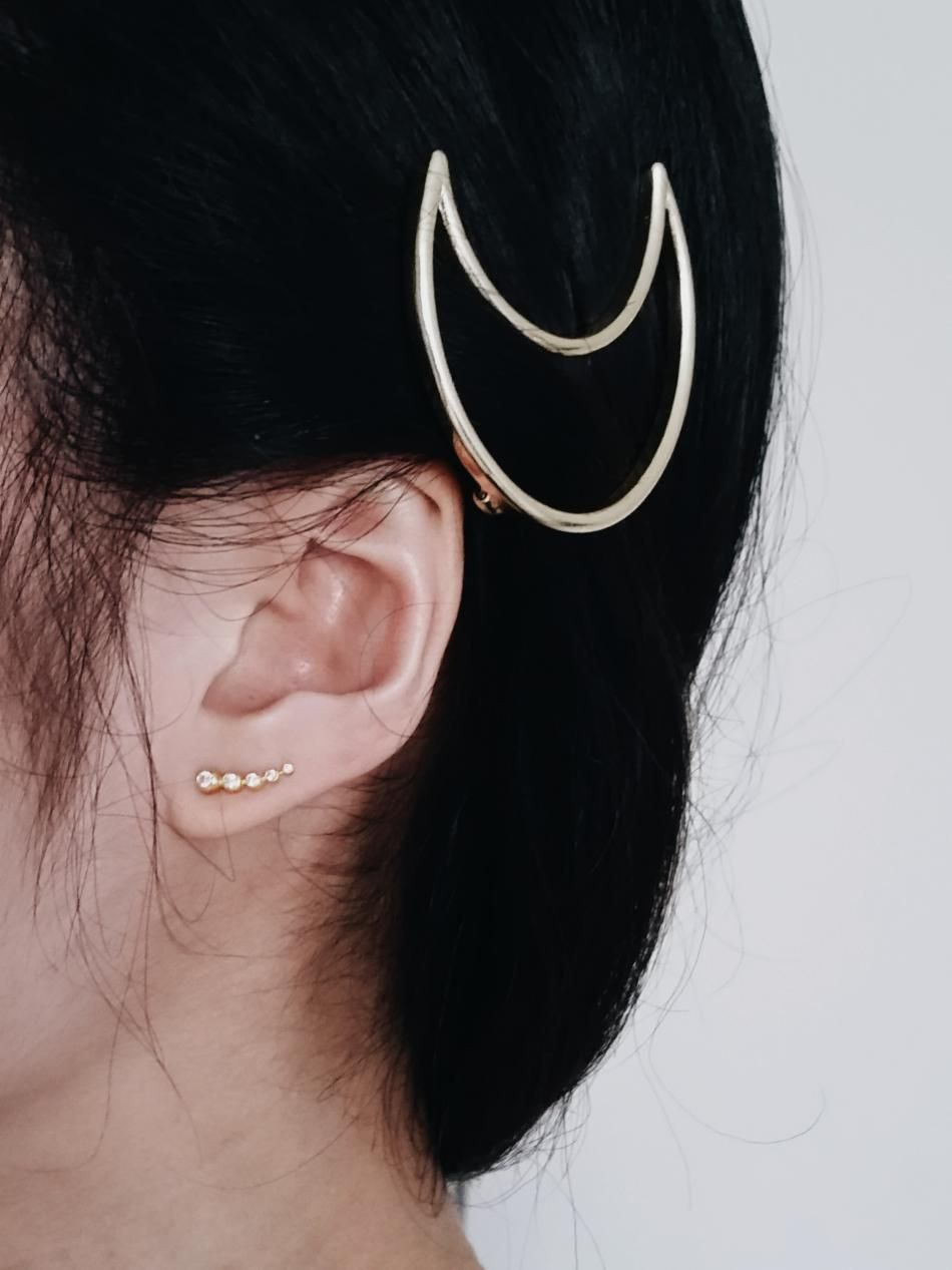 Styling by quyen showing Water lily Five Zirconia Ear Studs Gold #jewellery #Jewelry #bangles #amulet #dogtag #medallion #choker #charms #Pendant #Earring #EarringBackPeace #EarJacket #EarSticks #Necklace #Earcuff #Bracelet #Minimal #minimalistic #ContemporaryJewellery #zirkonia #Gemstone #JewelleryStone #JewelleryDesign #CreativeJewellery #OxidizedJewellery #gold #silver #rosegold #hoops #armcuff #jewls #jewelleryInspiration #JewelleryInspo #accesories #DanishDesign #JewelryStyling…