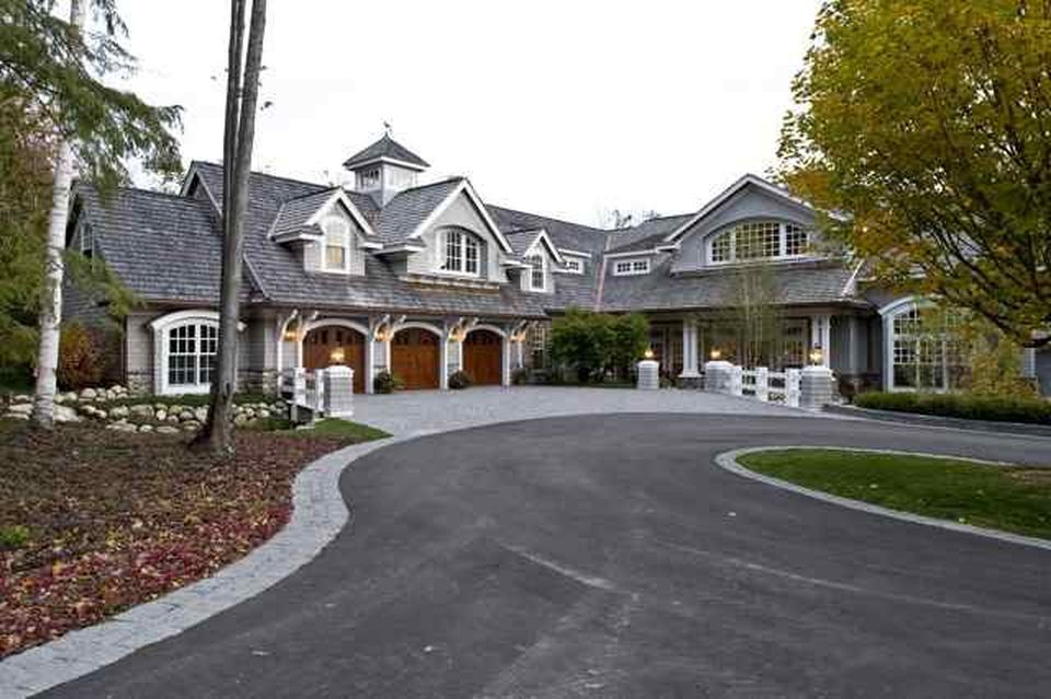 7 Charlevoix Houses For Sale