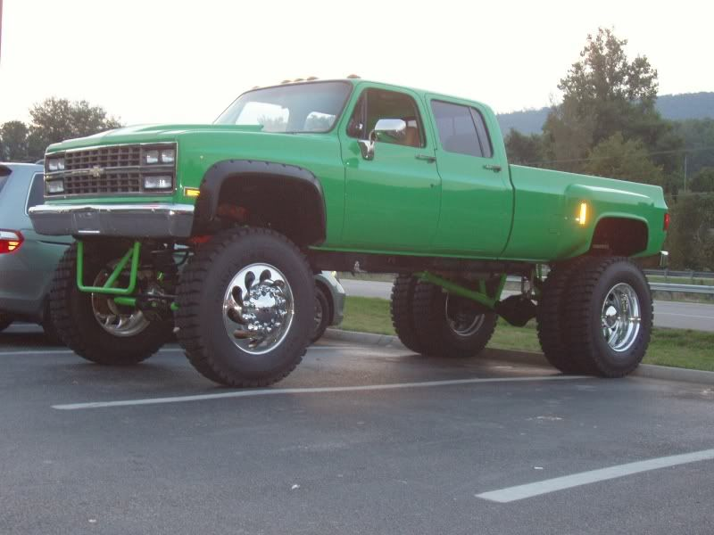 CAN I HAVE IT PLEASE PLEASE PLEASE MY NEXT TRUCK WILL LOOK - Square body chevy for sale